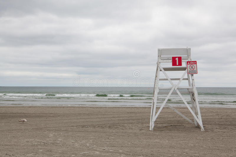 Wachturm auf dem leeren Strand in Middletown, Rhode Island, USA lizenzfreies stockbild