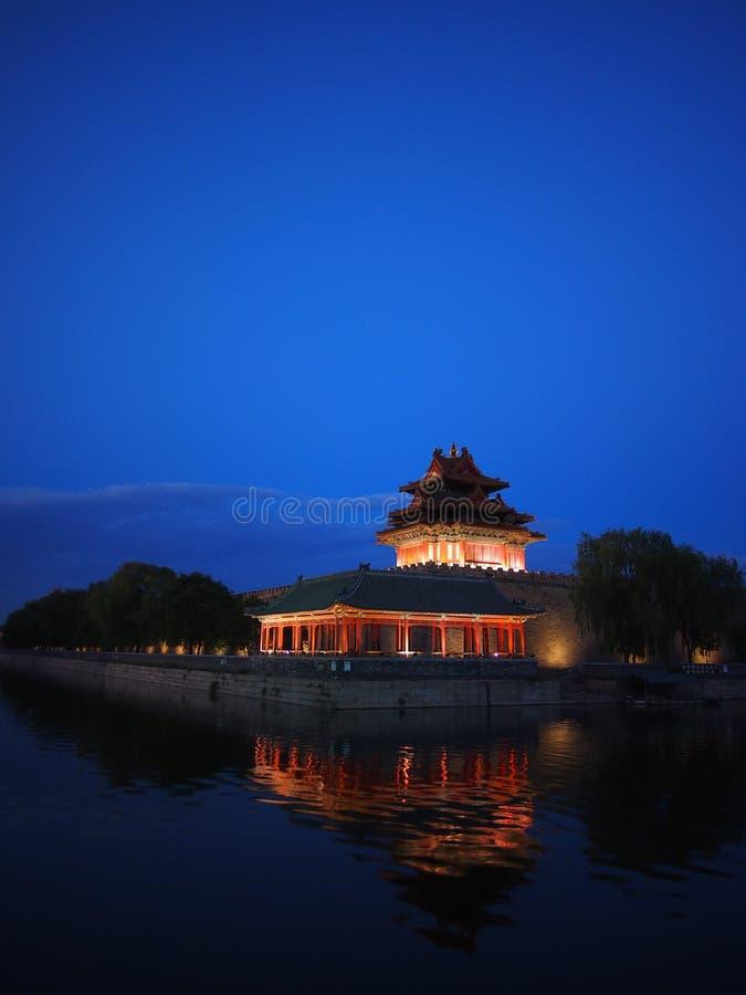 Wachturm der verbotenen Stadt am Abend. lizenzfreie stockfotografie
