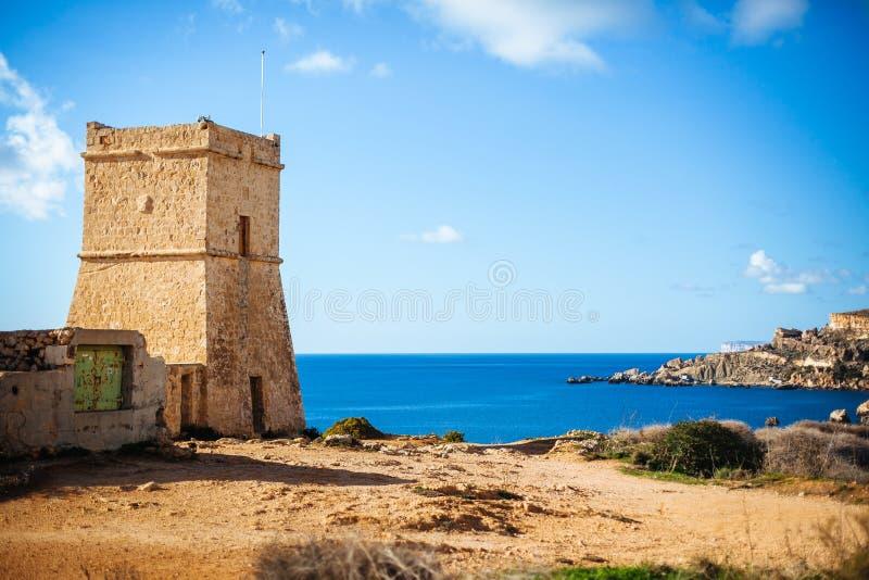 Wachturm Maltas Ghajn Tuffieha stockfotografie