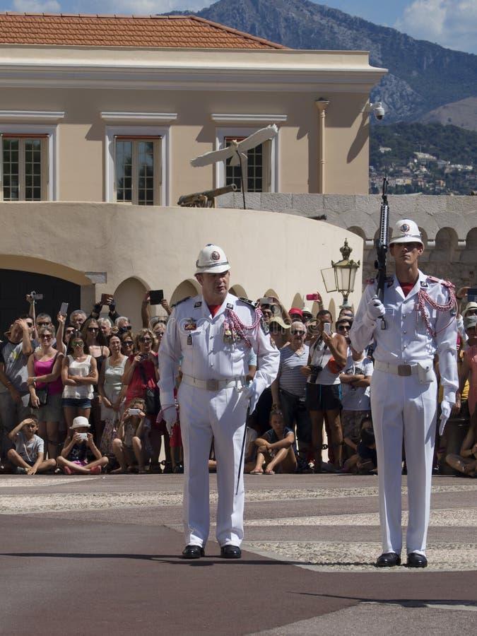 Wachtverandering bij het Paleis van de Prins van Monaco royalty-vrije stock afbeelding