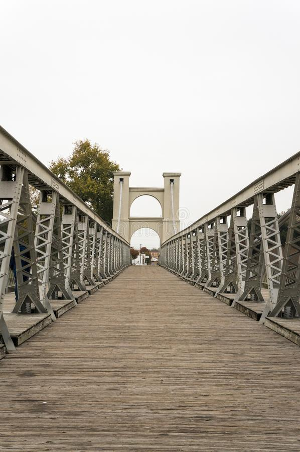 Waco Texas Suspension Bridge Taken du milieu photographie stock libre de droits