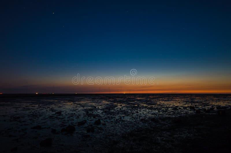 Wadden hav på natten arkivfoton