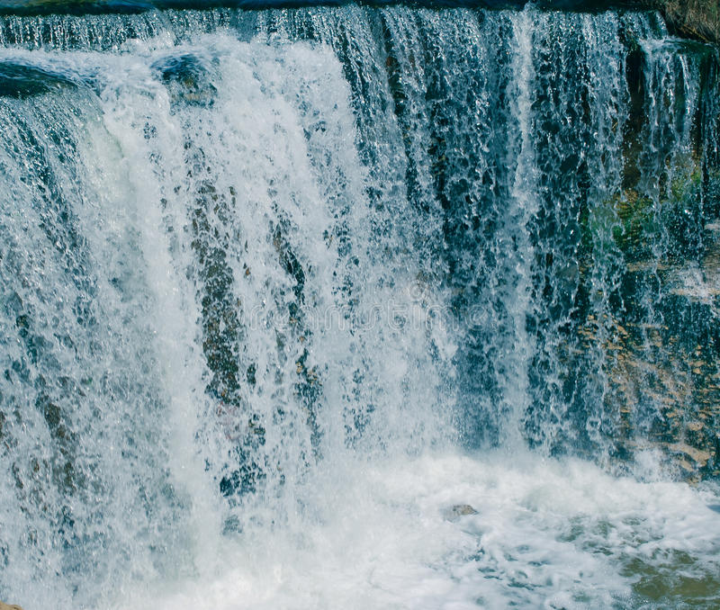 Wadi Alrayan u. x27; s-Wasserfälle lizenzfreie stockfotos