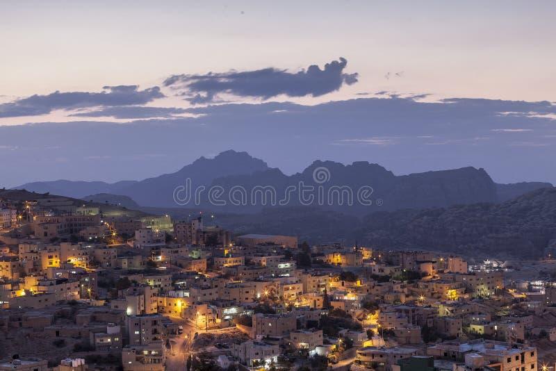Wadi Musa - Jordanien bei Sonnenuntergang stockfotografie
