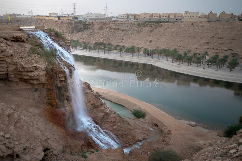 Wadi Namar-waterval in Riyadh, Saudi-Arabië stock afbeelding