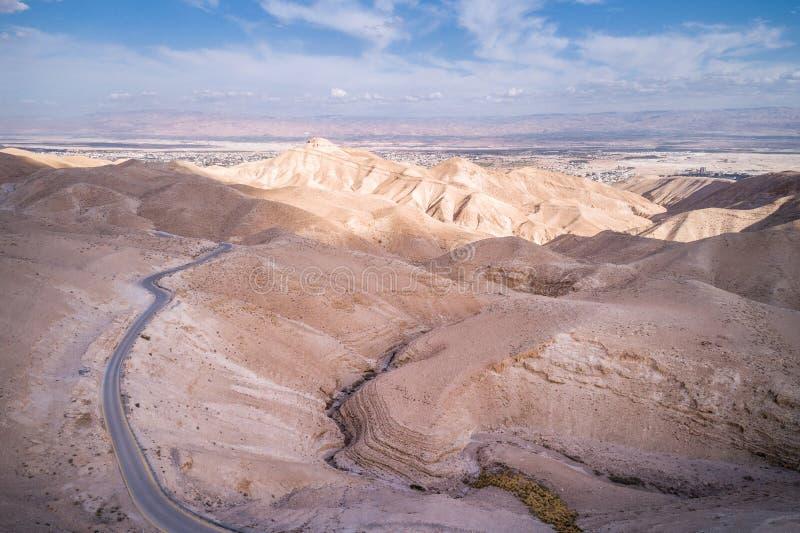 Wadi Qelt in Judean-Wüste um St. George Orthodox Monastery lizenzfreie stockbilder