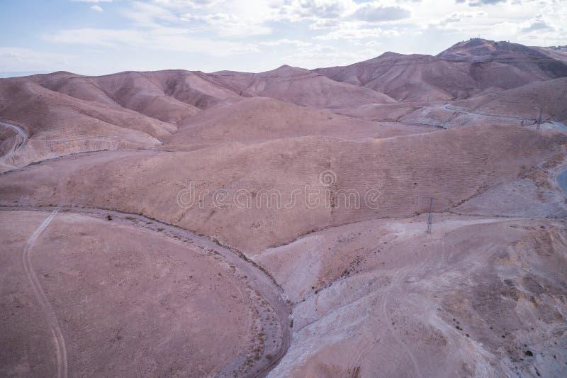 Wadi Qelt no deserto de Judean em torno de St George Orthodox Monastery fotos de stock