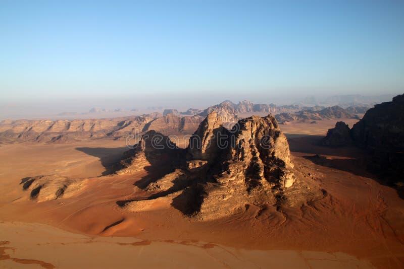 Wadi-Rumwüste in Jordanien. lizenzfreie stockbilder