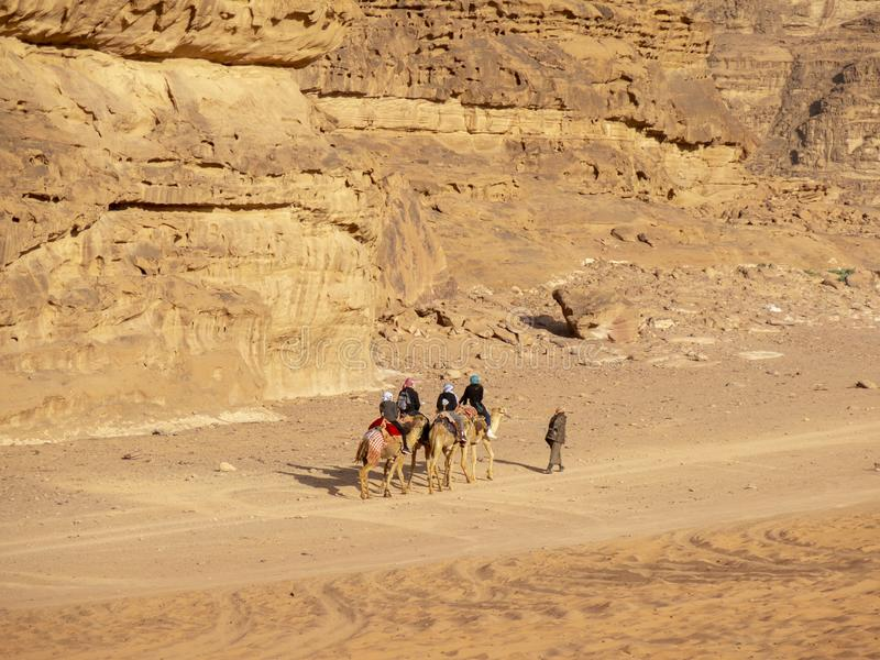 Wadi Run Desert, Jordan Travel, tour de chameau images libres de droits