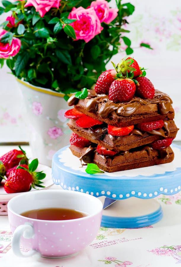 Wafel met nutella en aardbei royalty-vrije stock foto