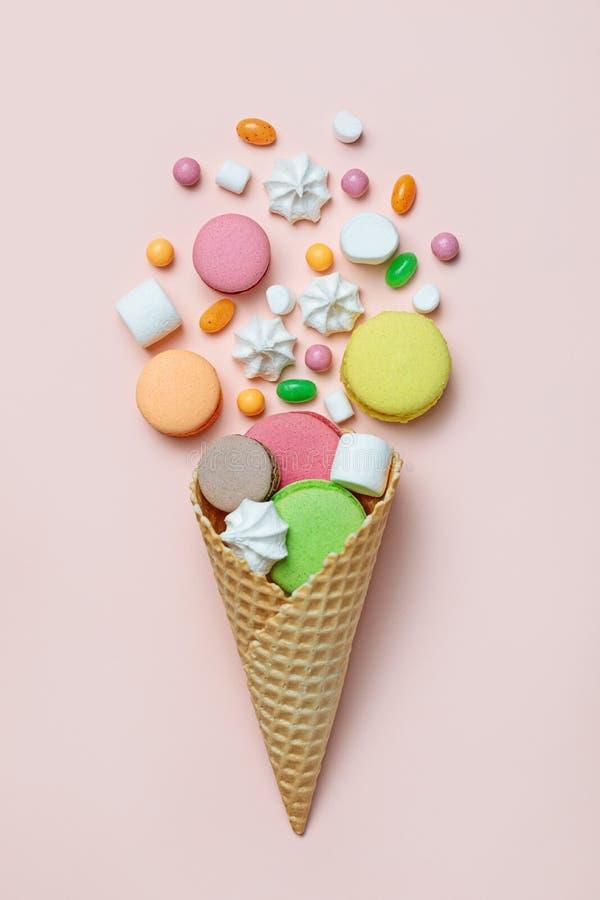Wafelkegel met suikergoed stock foto's