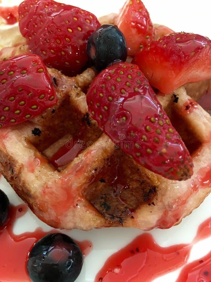 Waffle ягоды стоковая фотография rf