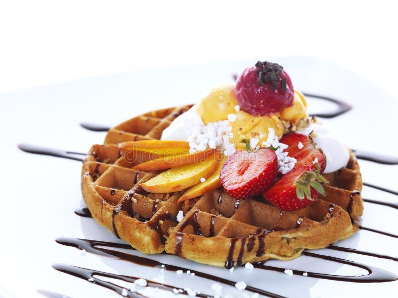 Waffle com gelado fotografia de stock