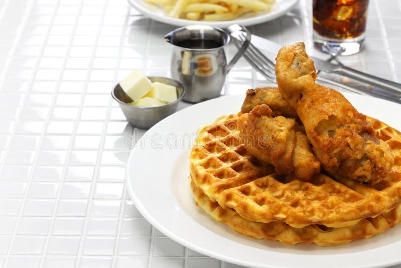 waffles зажаренные цыпленком стоковая фотография rf