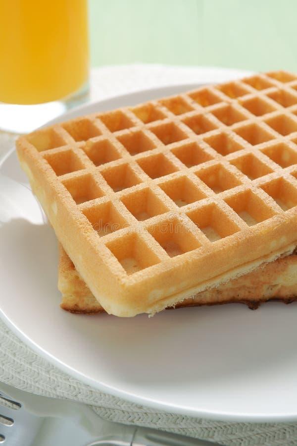 Waffles e suco imagem de stock royalty free