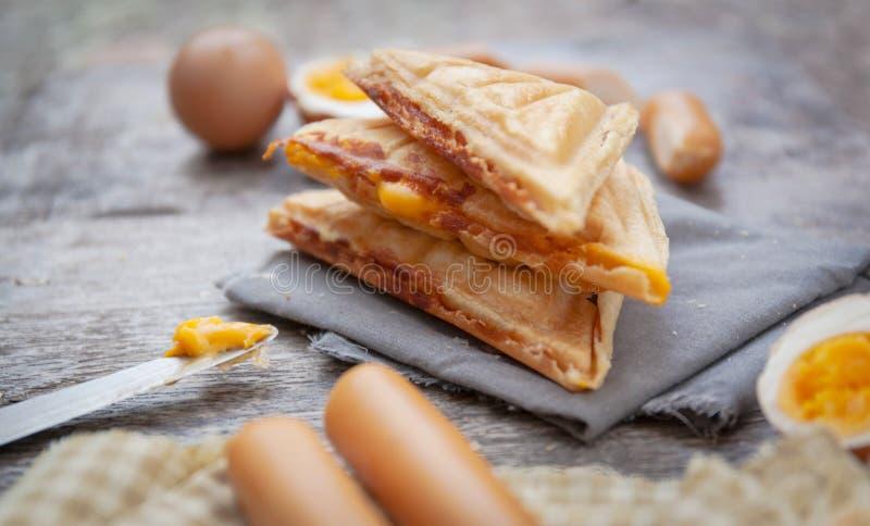 Waffles na tabela foto de stock