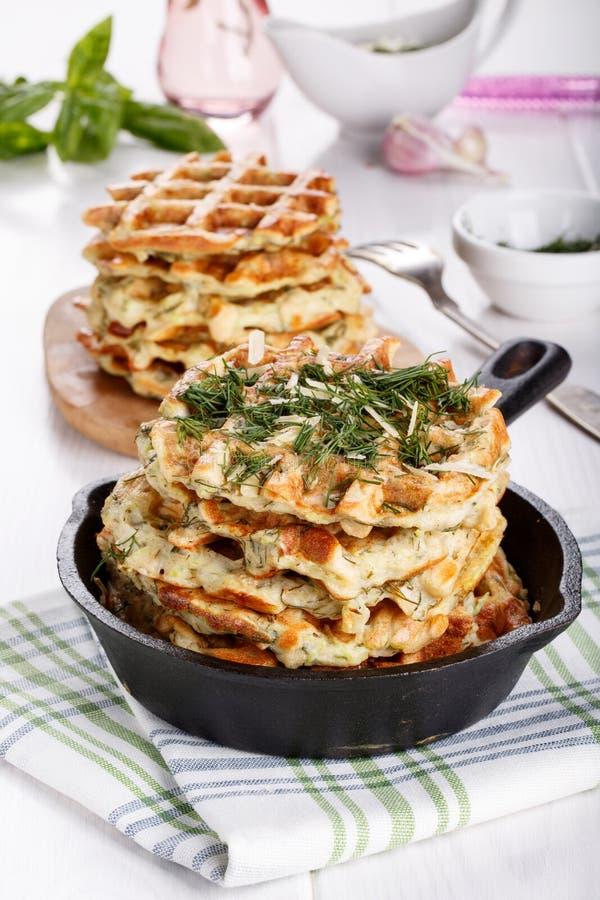 Waffles vegetais saborosos com queijo e ervas fotos de stock royalty free