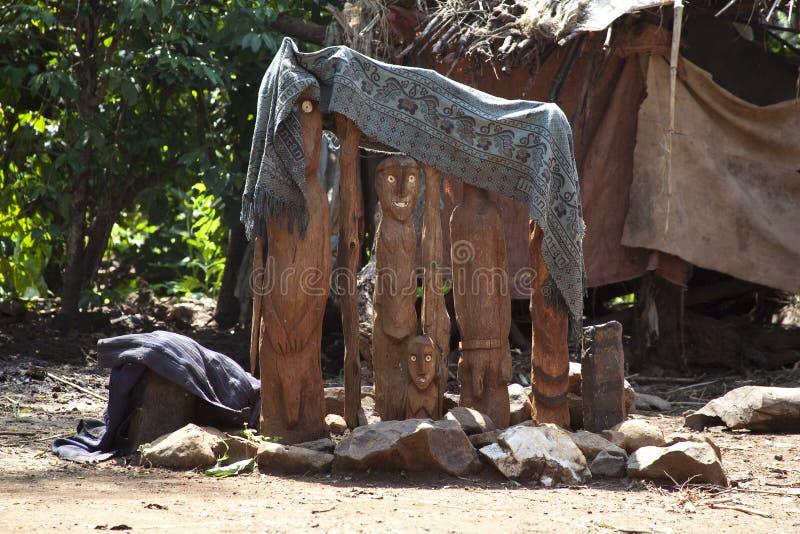 Waga, традиционная мемориальная статуя Эфиопии стоковые изображения rf
