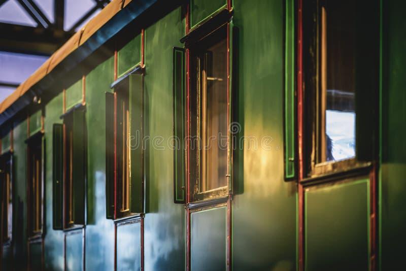 Wagen einer altmodischen Zugnahaufnahme Absract-Weinlesehintergrund stockbilder