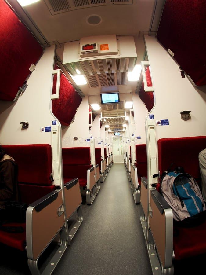 Wagon de train de sommeil conditionné par air de deuxième classe de la THAÏLANDE photos stock