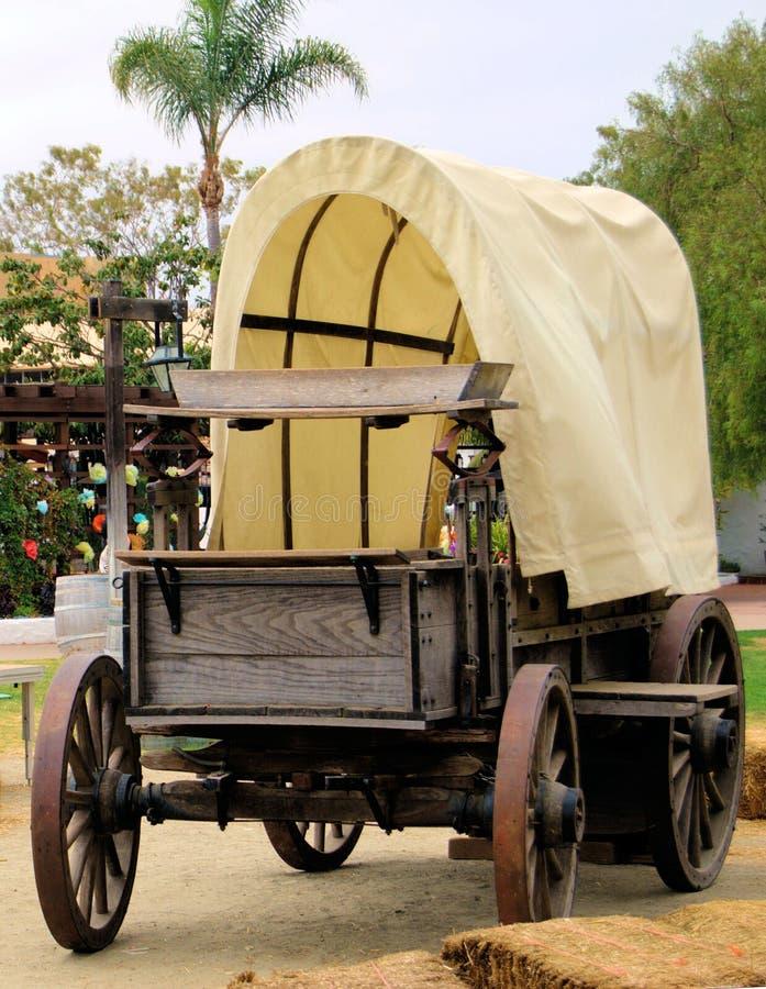 Wagon-Front-OT-0045JN coperto fotografia stock