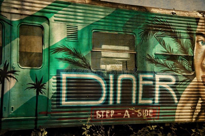Wagon-restaurant abandonné de chariot de train image stock