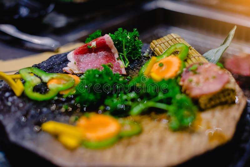 Wagyurundvlees in Japans geroosterd restaurant met selectieve nadruk royalty-vrije stock afbeelding