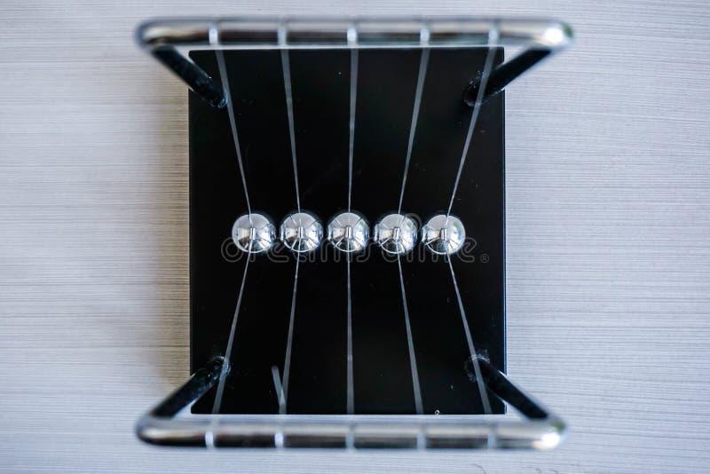 Wahadło metal piłki Abstrakcjonistyczna fotografia fotografia royalty free