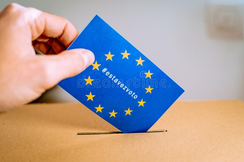 Wahl in der Europäischen Gemeinschaft - thistimeimvoting Kampagne mit spanischer estavezvoto hashtag Version lizenzfreie stockbilder