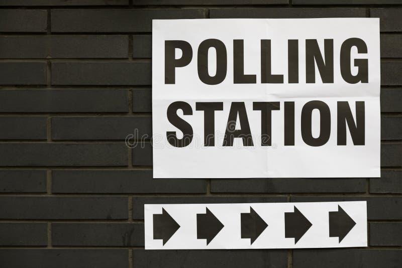 Wahllokal-Zeichen stockfoto