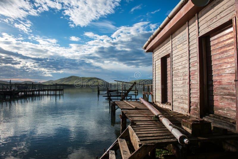 Waikawa habour. Meer in der Südinsel Newzealnd der südlichen Küste stockfoto