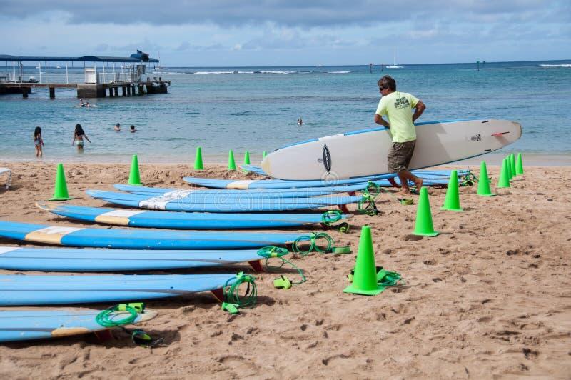 Waikiki-Brandungslektionen lizenzfreie stockfotografie