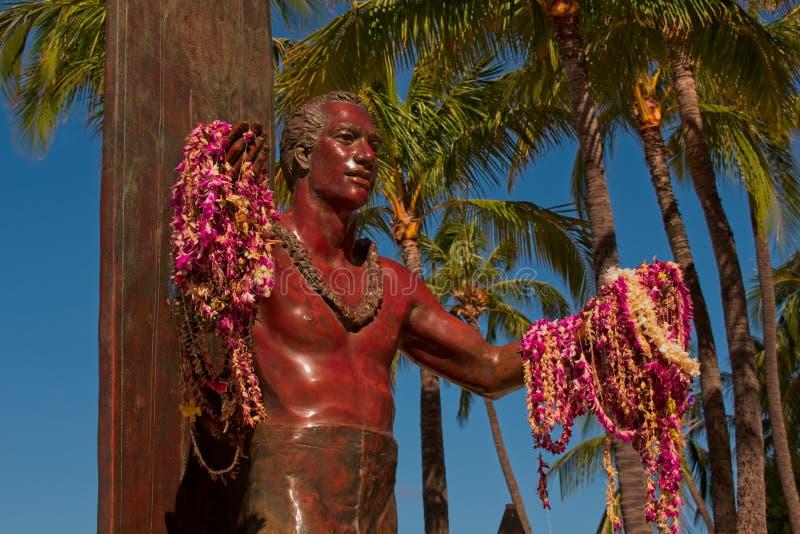 Waikiki, HALLO, de V.S. - 15,2019 Juli: Duke Kahanamoku Waikiki Beach royalty-vrije stock afbeeldingen