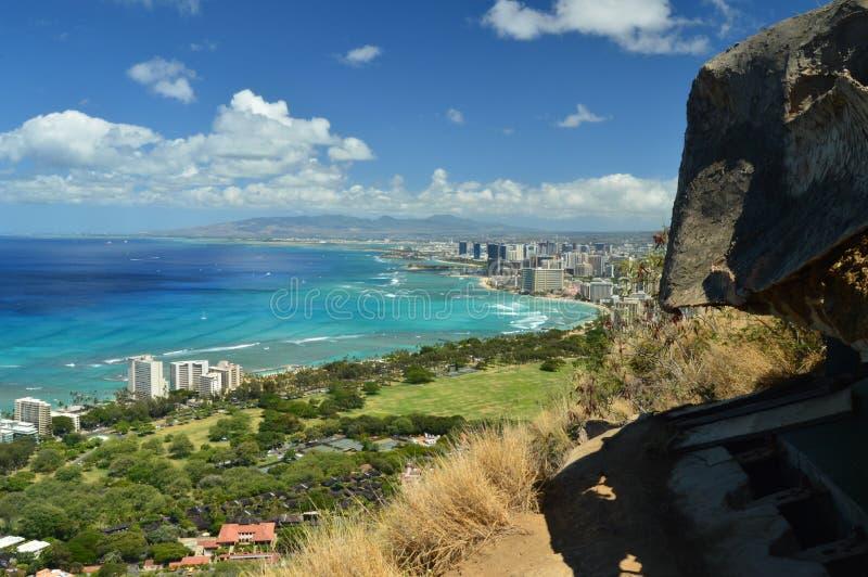Waikiki van Diamond Head wordt gezien dat royalty-vrije stock afbeeldingen
