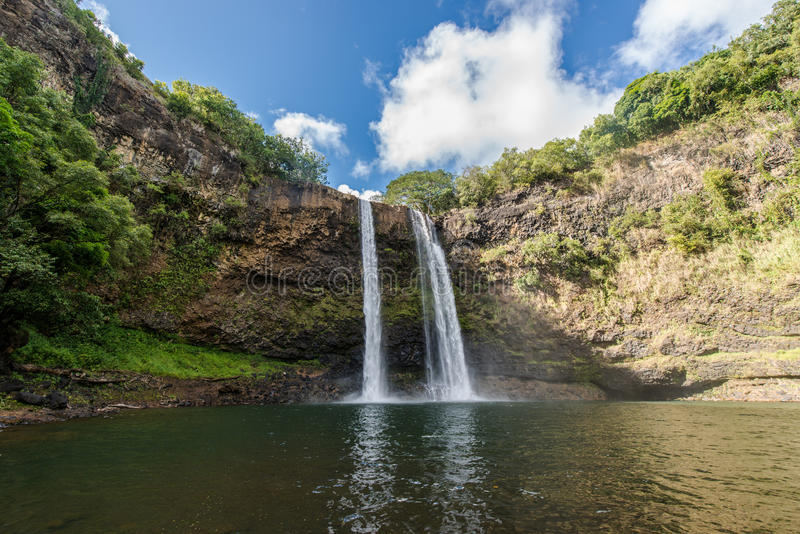 Wailua tombe cascade hawaïenne image stock