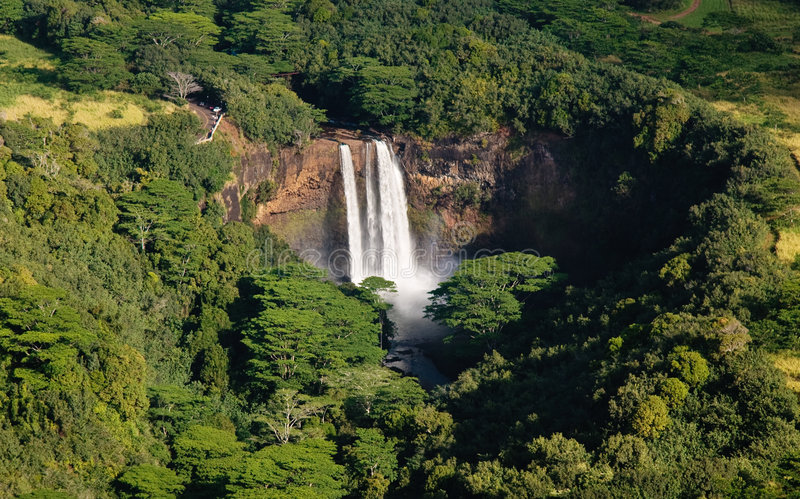 Wailua valt dichtbij Lihue in Kauai stock foto