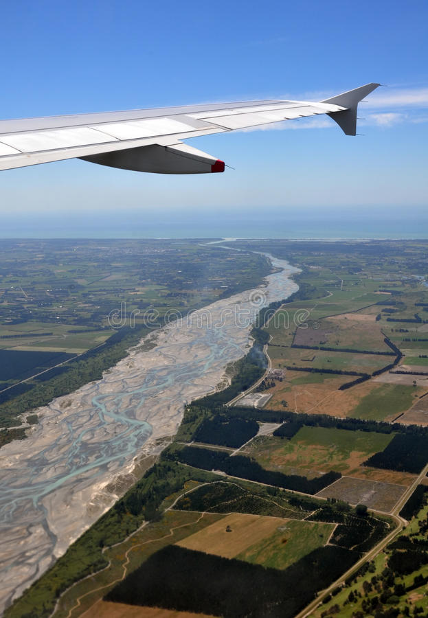 Waimakariri Fluss-Antenne, Neuseeland lizenzfreies stockfoto