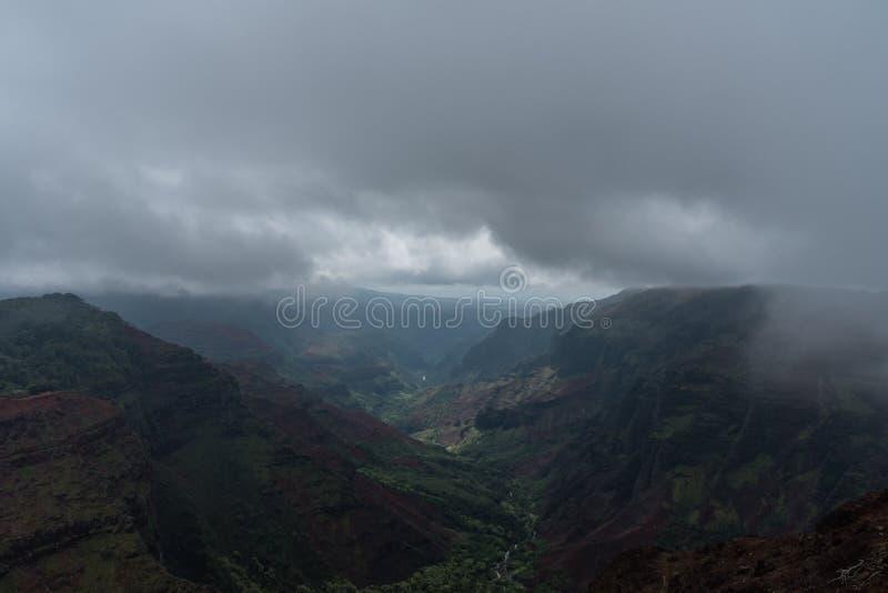 Waimea-Schlucht auf Kauai, Hawaii, im Winter nach einem bedeutenden Regensturm stockbild