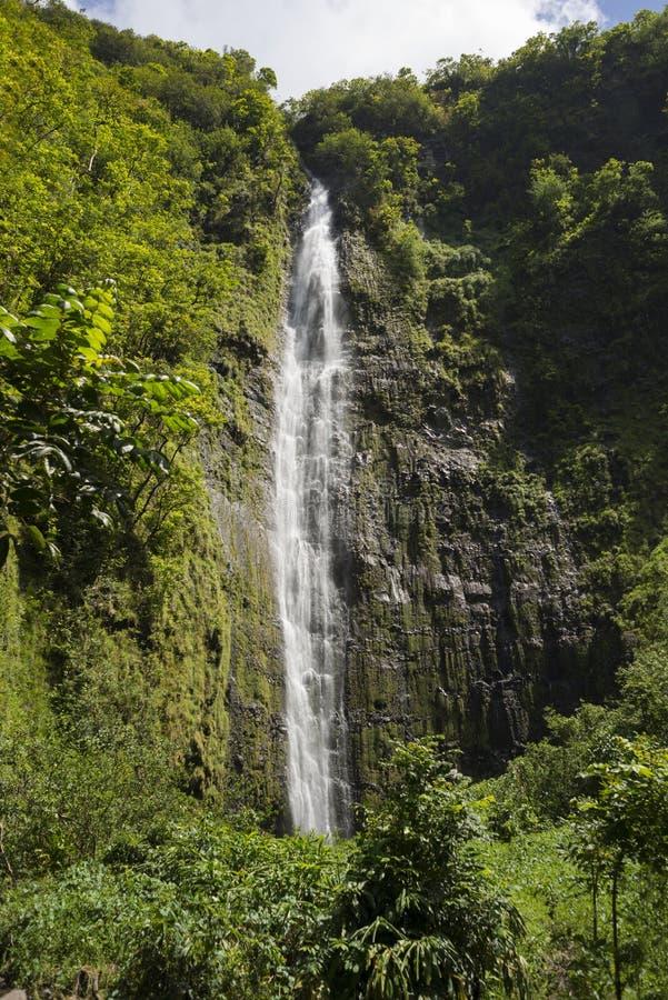 Waimoku Spada wysoka siklawa wzdłuż Pipiwai śladu w Maui, Hawaje obrazy stock