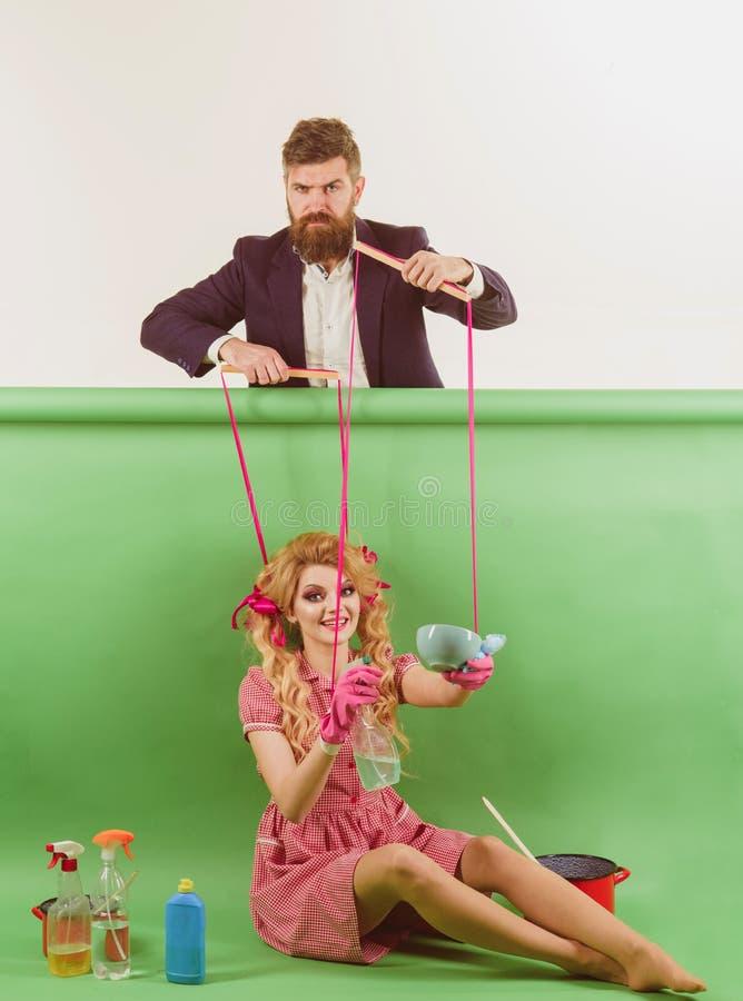 wakacje i lala przewaga i zależność rocznik mody kobiety kukiełkowe i mężczyzna Gospodyni domowa kreatywnie pomysł Miłość retro zdjęcia royalty free
