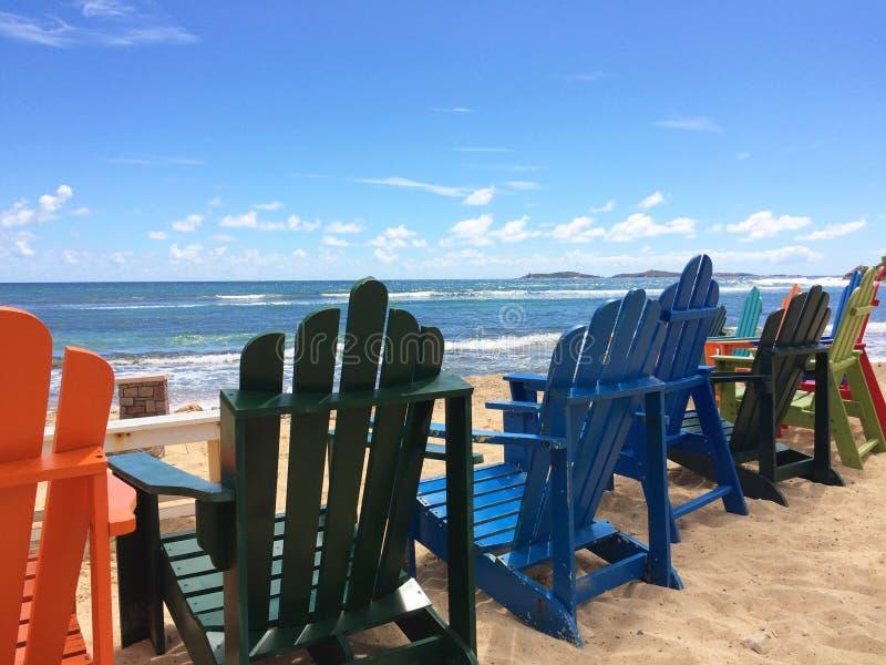 Wakacji Letnich Plażowi krzesła obrazy stock