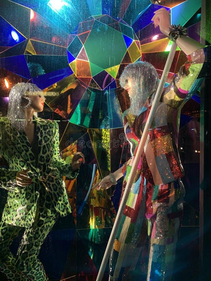 Wakacyjny nadokienny pokaz przy Bergdorf dobrym człowiekiem, NYC obraz stock
