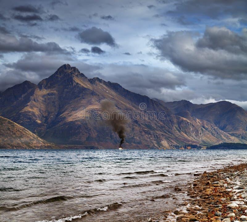 Wakatipu lake, Nya Zeeland arkivfoton