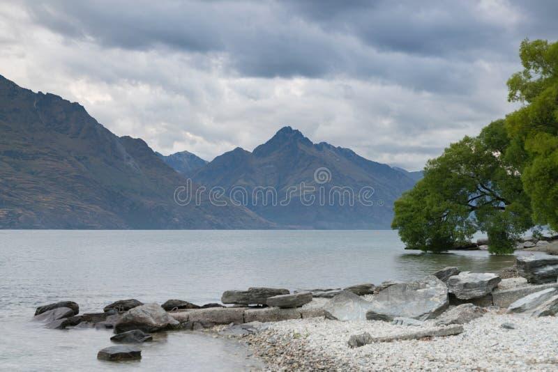 Wakatipumeer in Queenstown-Zuideneiland, Nieuw Zeeland stock foto