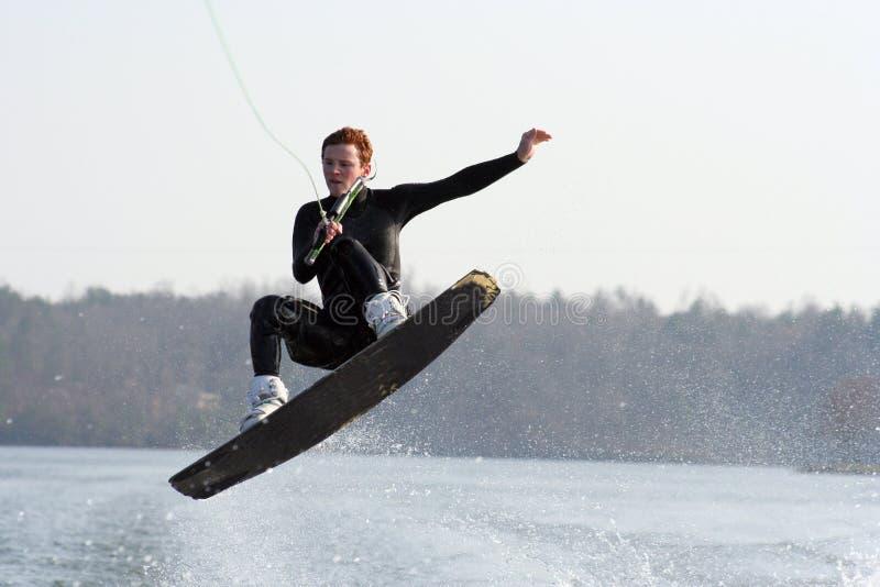 Wakeboard Sprung lizenzfreie stockfotos
