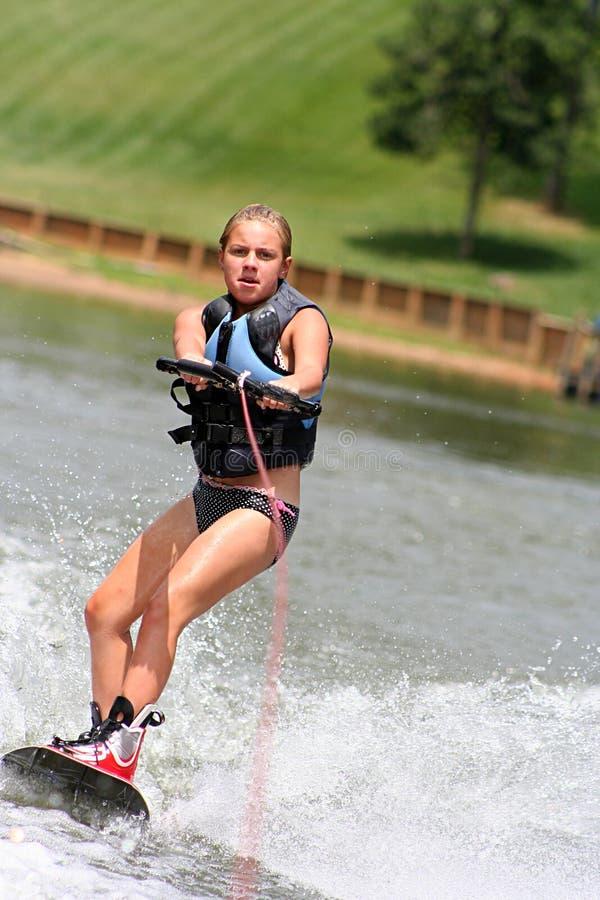 Wakeboarding Mädchen stockfoto