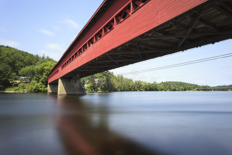 Wakefield Covered Bridge royaltyfri bild