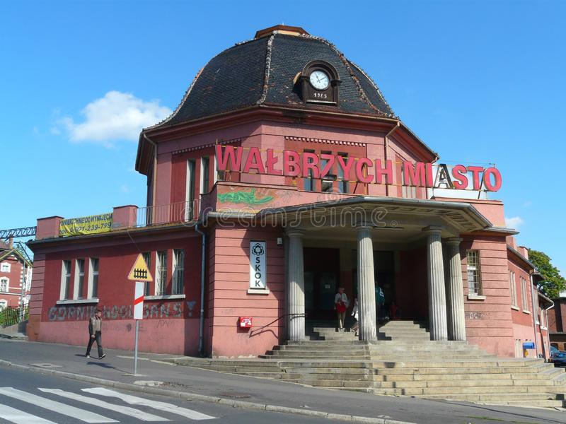 WALBRZYCH, SIL?SIE, station Walbrzych Miasto de Pologne-chemin de fer photos libres de droits