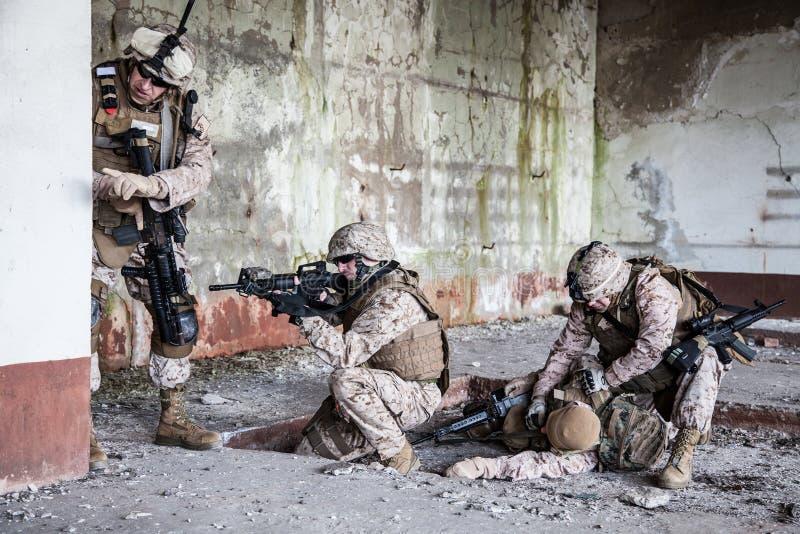 Walczący żołnierze piechoty morskiej zdjęcie stock