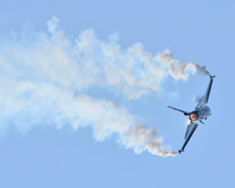 Walczący jastrząbka F-16 obrazy stock